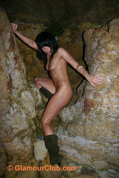 Jaki Leigh naked against the cliff