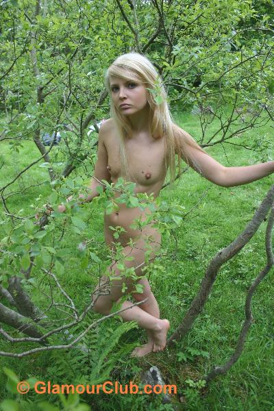 Oksana G naked among the branches